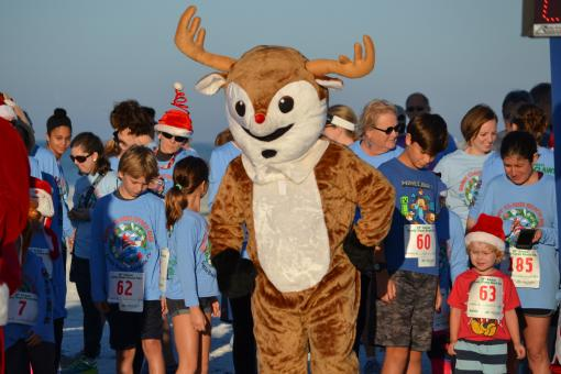 39th annual Sandy Claws Beach Run