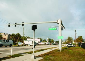 Gulf of Mexico Drive traffic signals are being replaced next week with stronger mast arms that can accommodate higher wind speeds. The signals will look like this signal on Cortez Road, in Bradenton.