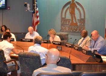The Sarasota City Commission agreed to move forward with a State Street parking garage process Monday.