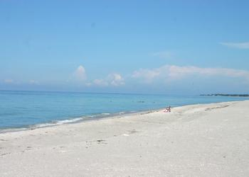 Keep Sarasota County Beautiful (KSCB) is seeking volunteers to participate in the 2012 International Coastal Cleanup from 8 a.m. to noon Saturday, Sept. 15.