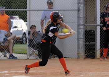 Sarasota sophomore Avery Miller makes contact in the bottom of the top of the second inning.