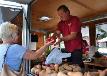The Fall Festival will feature fresh produce and more this Sunday. (File photo)