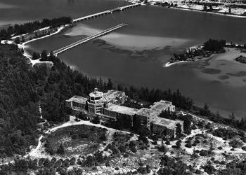 An aerial view of John Ringling's Ritz-Carlton Hotel in 1952.