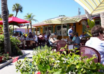 Patrons of Harry's Continental Kitchens enjoyed sunny skies and warm weather for their Tuesday afternoon lunch.
