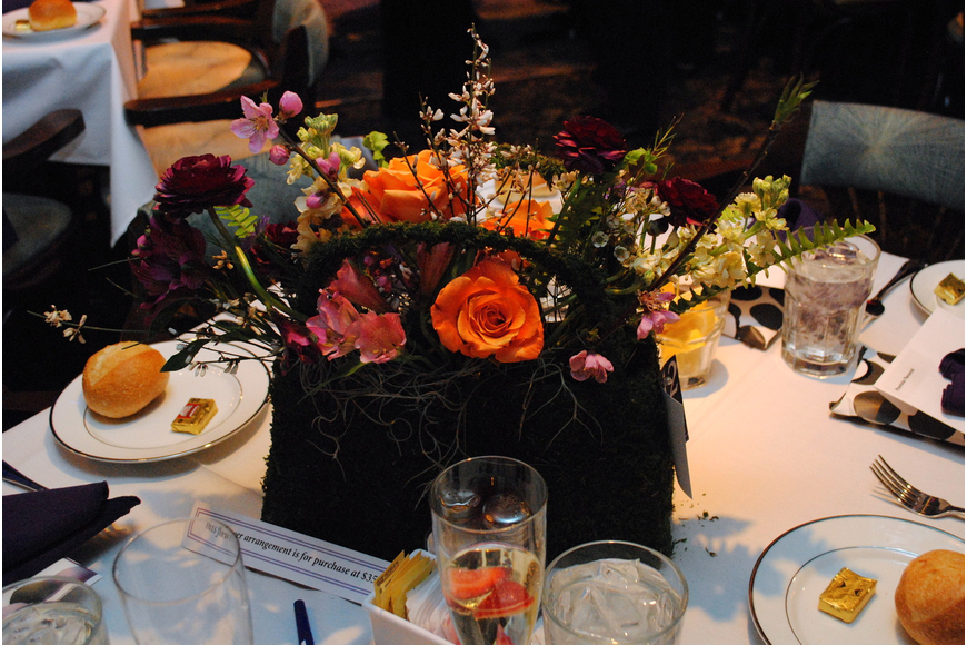 Lynn Pitts Hamilton of Finishing Touch provided the centerpieces for Bags, Baubles & Bingo.