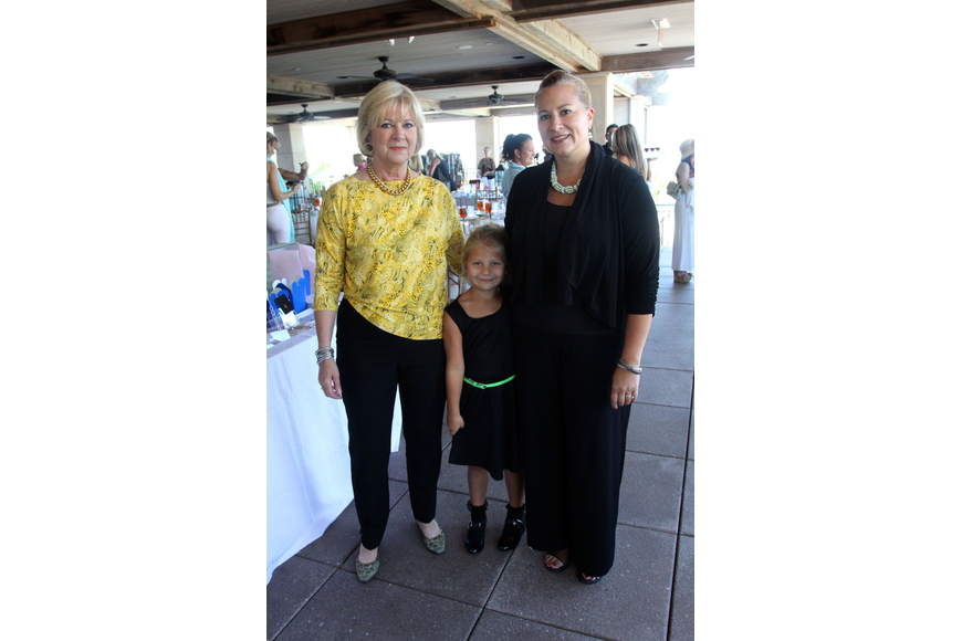 Linda Cornell, Cambelle Anders, 6, and Leslie Cornell Anders