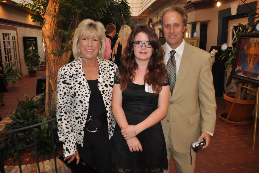 Courtney Thomassen with her parents Kate and Chris Thomassen