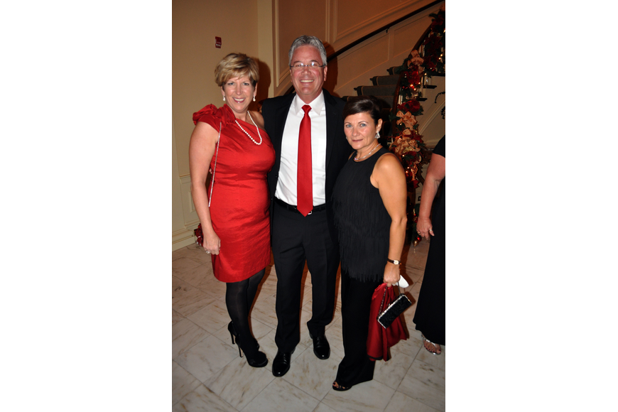 Carol and Michael Pleas with Luisa Goldman