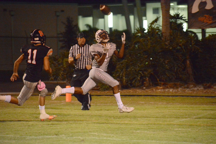 Craivon Koonce hauls in his second touchdown catch of the evening.
