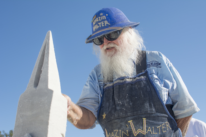 Walter MacDonald sculpts his submission to Siesta Key's 2017 Crystal Classic.