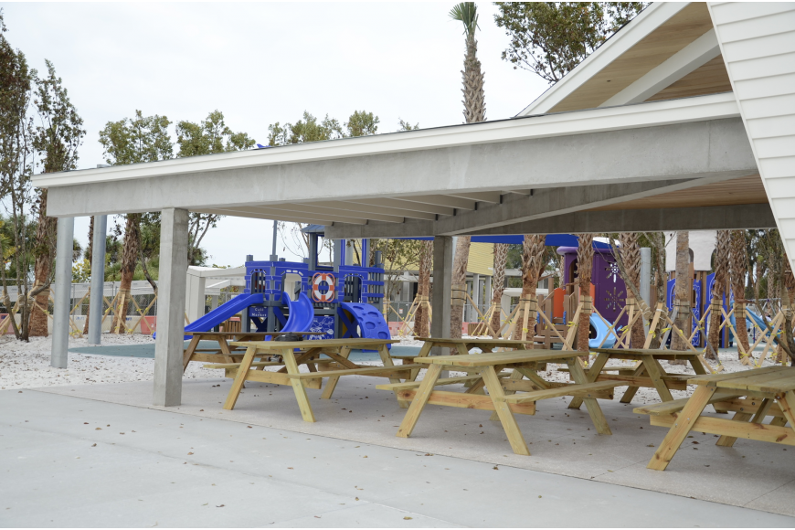 The east esplanade has a large picnic area as well as smaller one- and two-table options.