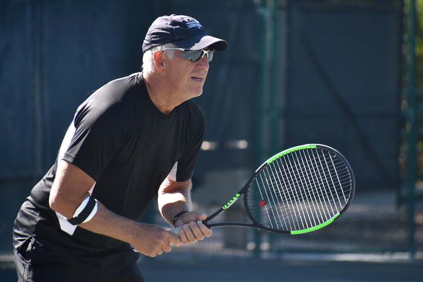 Mike Langlois gets ready to receive during a preliminary match.