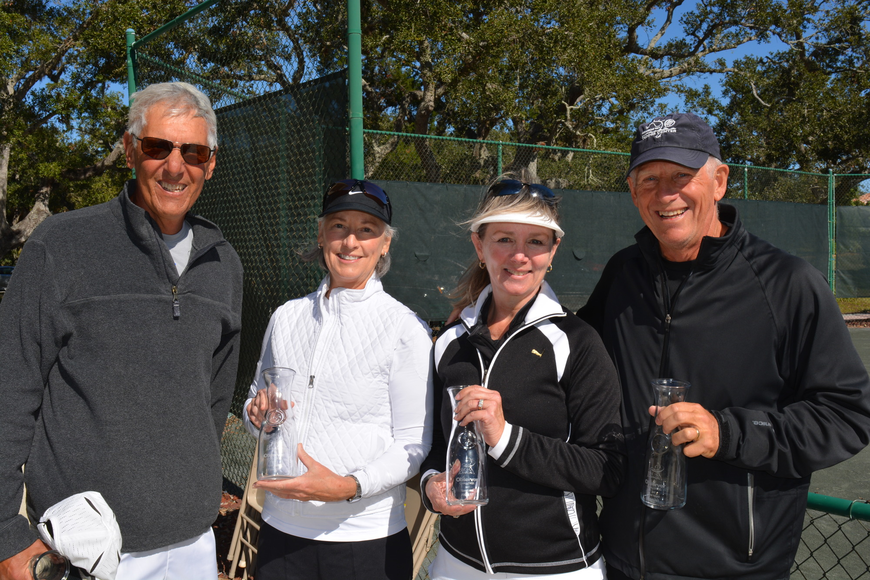 Ron Plashkes, Jan Withers, Irene Langlois and Mike Langlois took second place in Division 3.