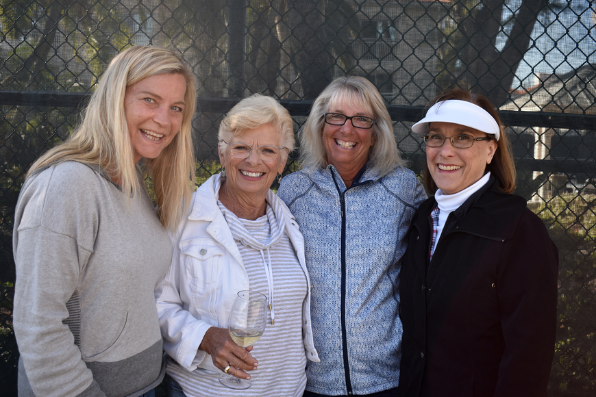 Cynthia Bakle, Dorothy Paterson, Sandy Couture and Jeanne Muntan