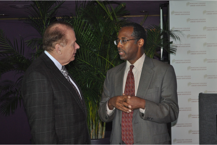 Dr. Larry Thompson talks with guest speaker Dr. Benjamin Carson