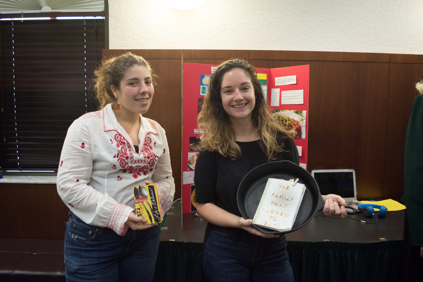 New College students Olivia Pertierra and Leigh Barber present their recipes and oral history projects.