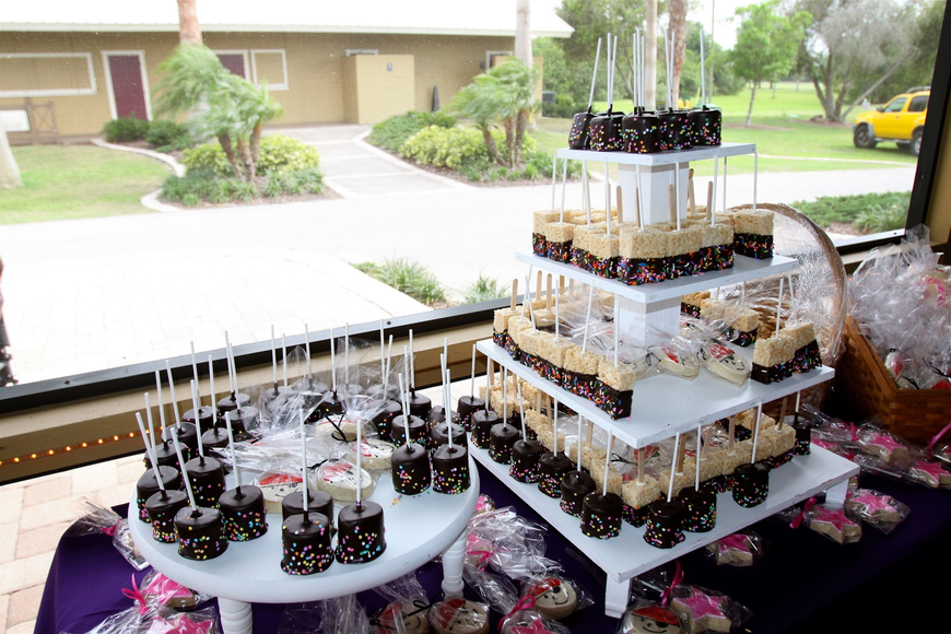 A variety of princess and pirate themed treats were on display for children and adults to have prior to dinner.