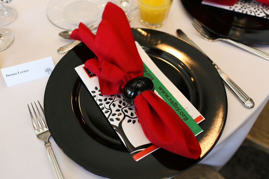 The tables were decorated in black and red.