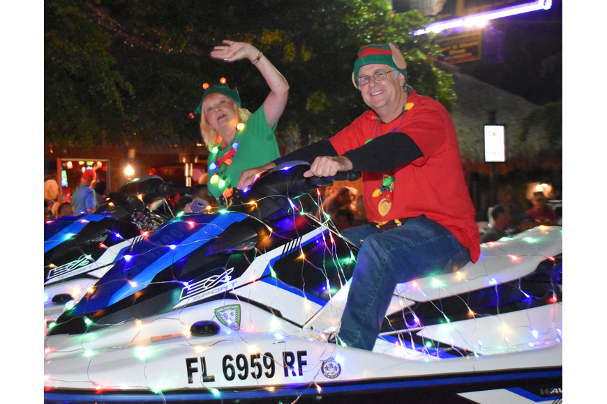 The Siesta Key Jet Skis Rental and Tours float.