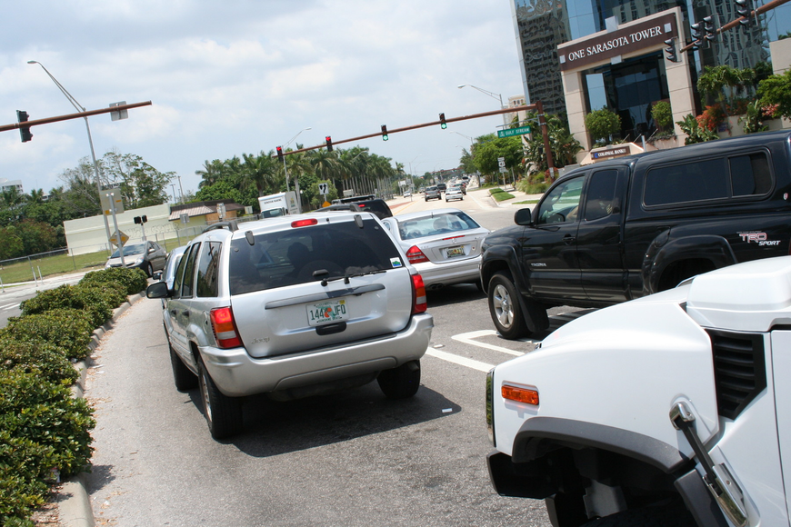 The connectivity plan is designed to alleviate traffic backups at signals such as this one at U.S. 41 and Gulf Stream Avenue.