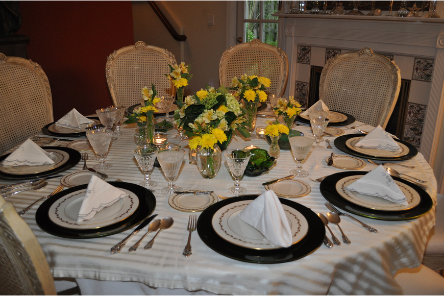 Phil King created a beautiful setting for a summer dinner.