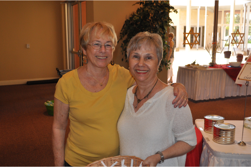 Etta Rakem and Marianne Weiss, chairs of the event