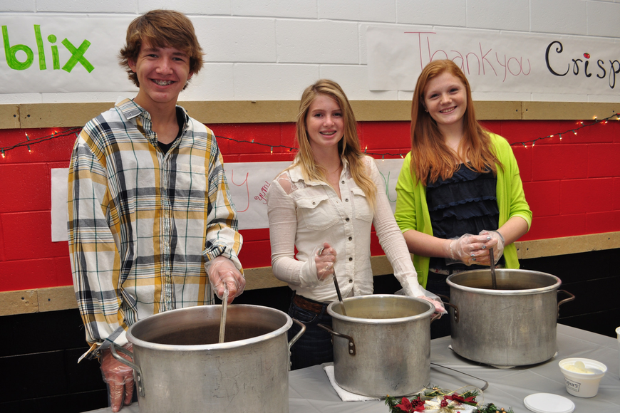 Colson Engelberger, Paige Lewandrowski and Hayley Rejtek doled out soup.