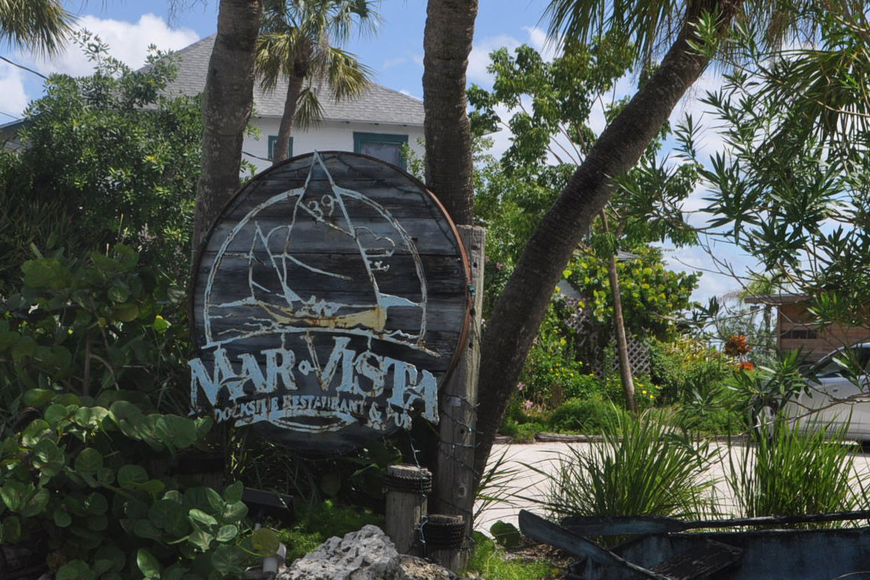 Mar Vista Dockside Restaurant & Pub is located at 760 Broadway in the Longbeach Village.