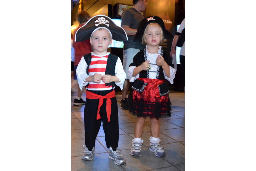 Pirate twins Ray and Roxy Hoffmann