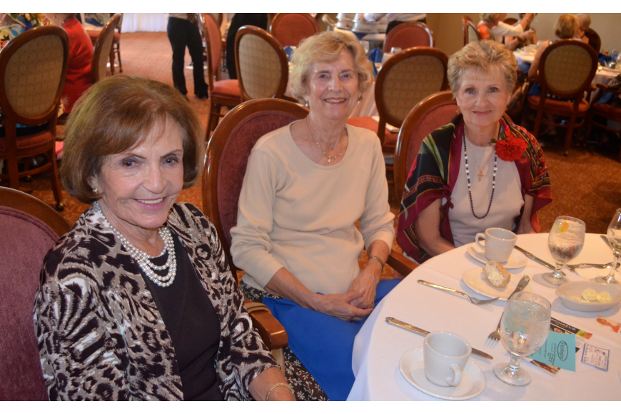 Mollie Lafferman, Barbara Faulkner and Lee Gerber enjoy each other's company.