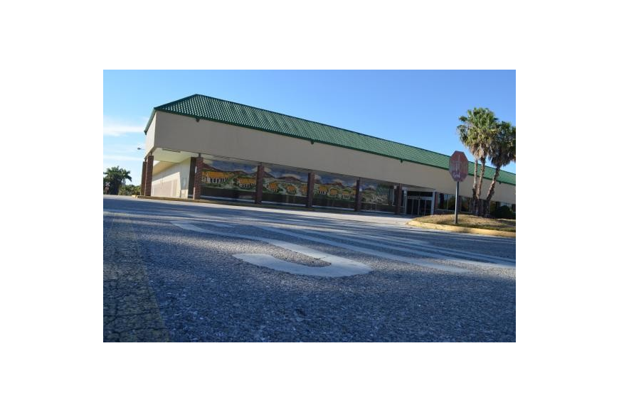 Publix anchored The Ringling Shopping Center, which now stands mostly vacant.