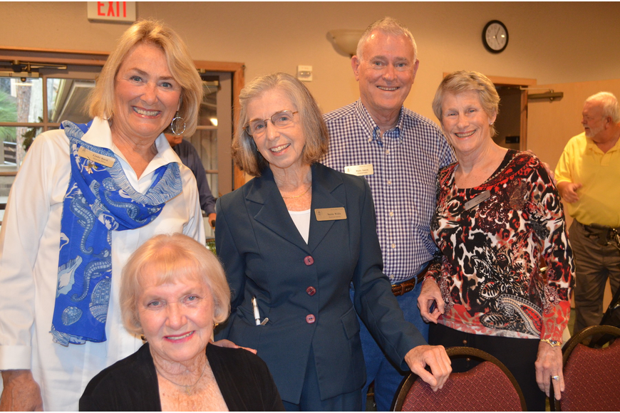 Linda Kuck, Donna Dubiel and Susie Wills with Wally and Pam Smith
