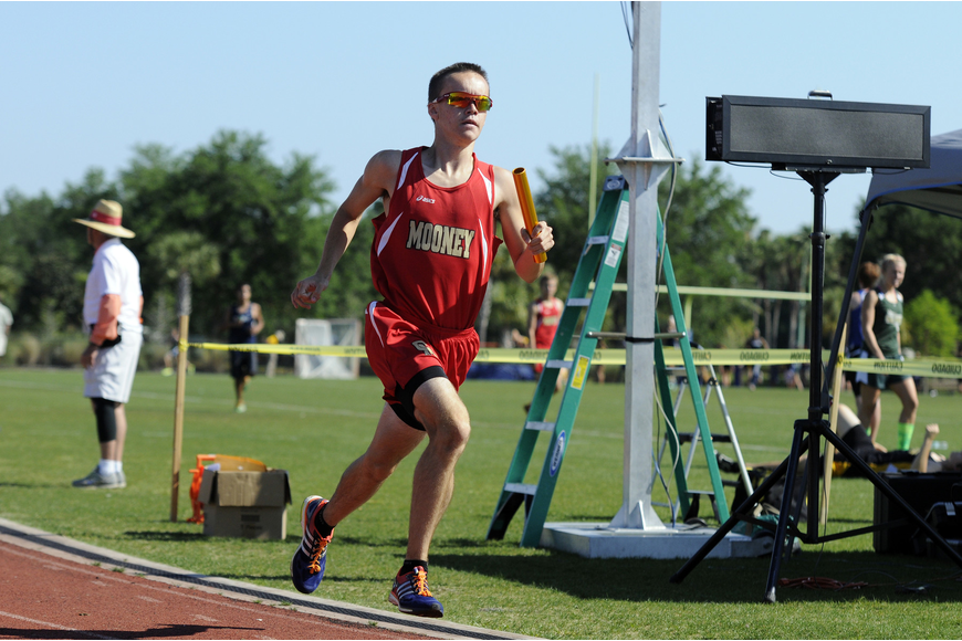 Cardinal Mooney's Cal Davidson anchored the boys 4x800-meter relay, which finished third.