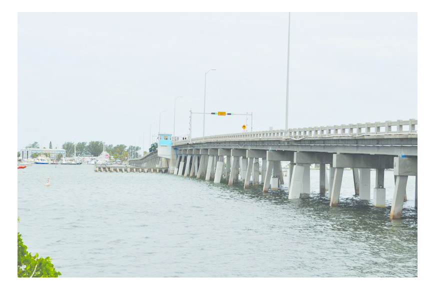 The Cortez Bridge connects mainland Manatee County to Bradenton Beach. (File photo)