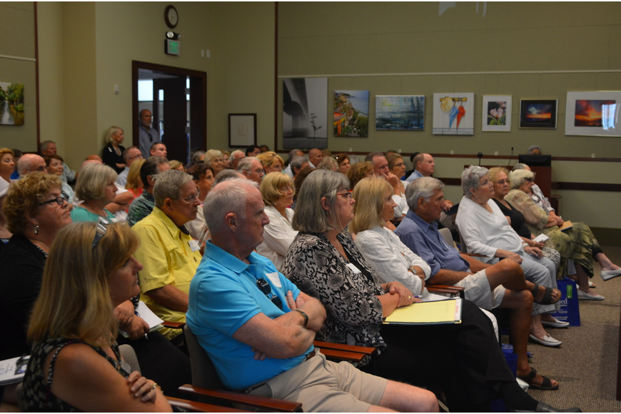 The event filled Town Hall chambers to capacity. (Robin Hartill)