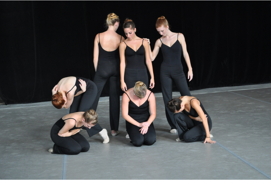 Students from the Sarasota Ballet School performed Sept. 16 at Studio 20's first unveiling.