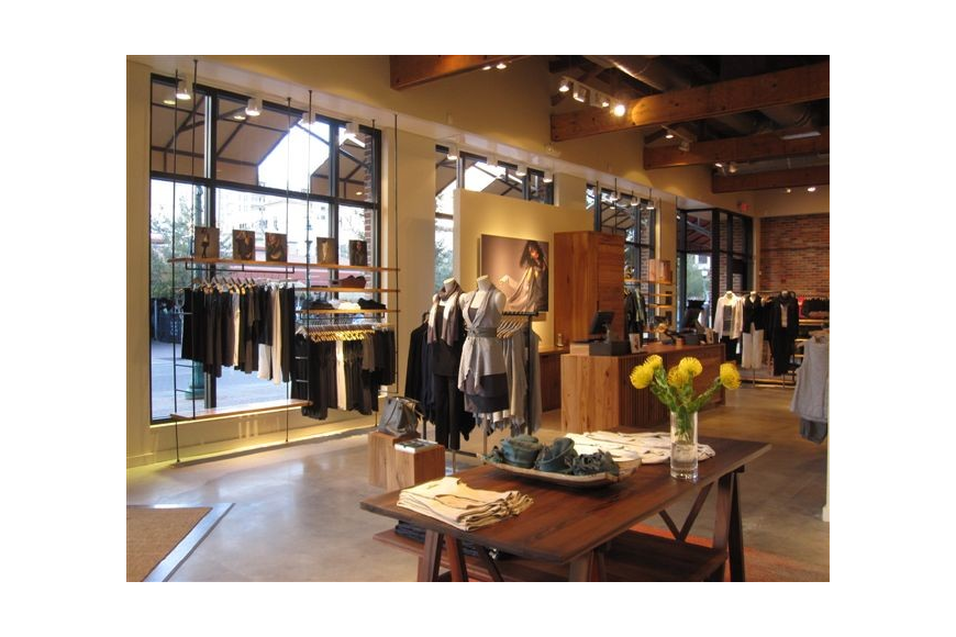 The new location will feature Eileen Fisher's signature collection, shoes and accessories.