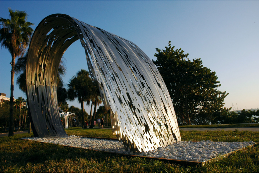 The Key Club chose the sculpture because it relates to its logo, which includes a wave.