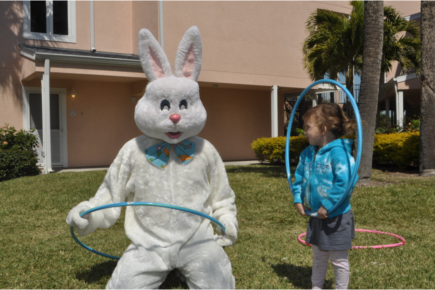 Elsie Vincent visits with the Easter Bunny.