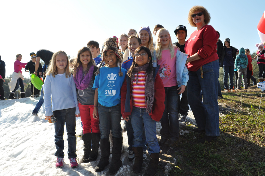 Cindy Kinman's third-grade class made sure to get a group photo taken.