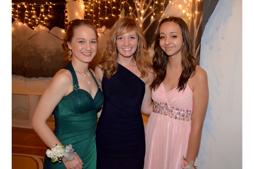 Hannah Youngblood, Brianna Graber and Jessica Bender