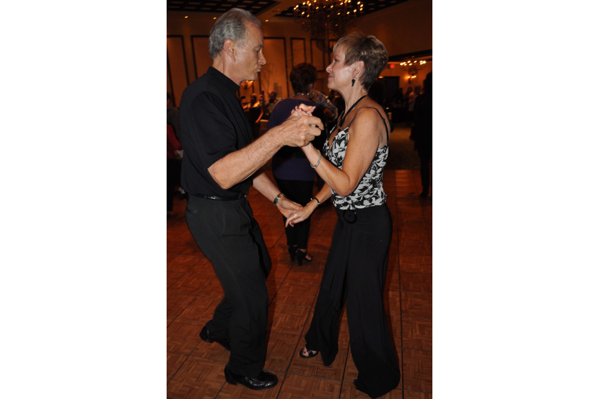 John and Judy Oakes, of Lakewood Ranch, hit the dance floor early.