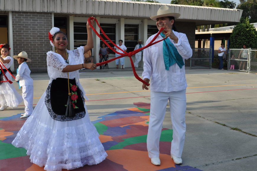 Dancers from the Texcalli Ballet Folklorico dance group performed.