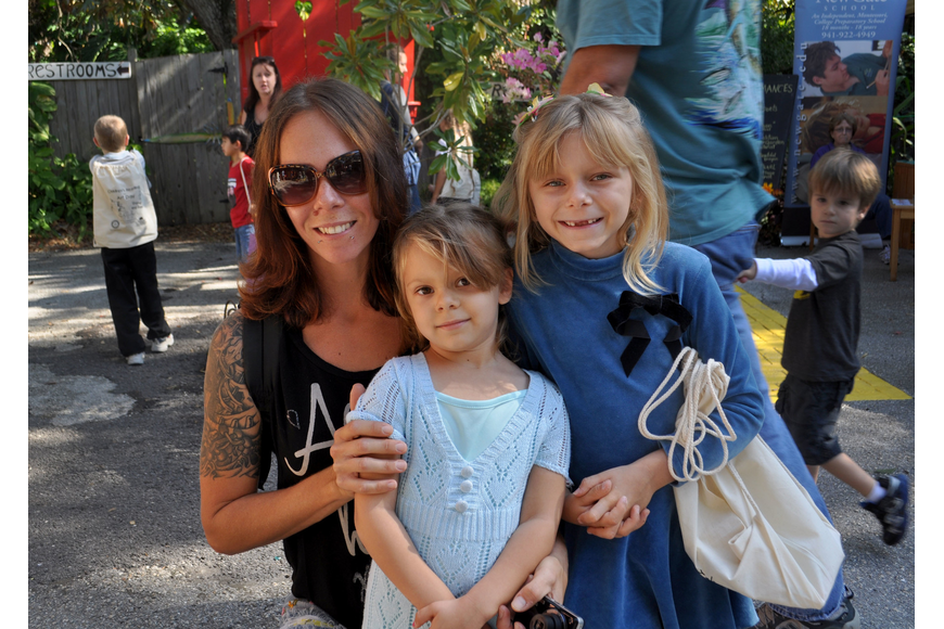 Kimberly Bensen, with her daughters, Gwendolyn and Natasha.