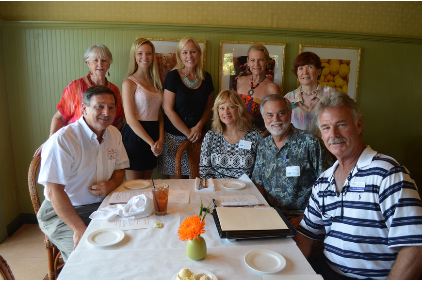 Longboat Key Chamber members prepare for a meal at Tommy Bahama.