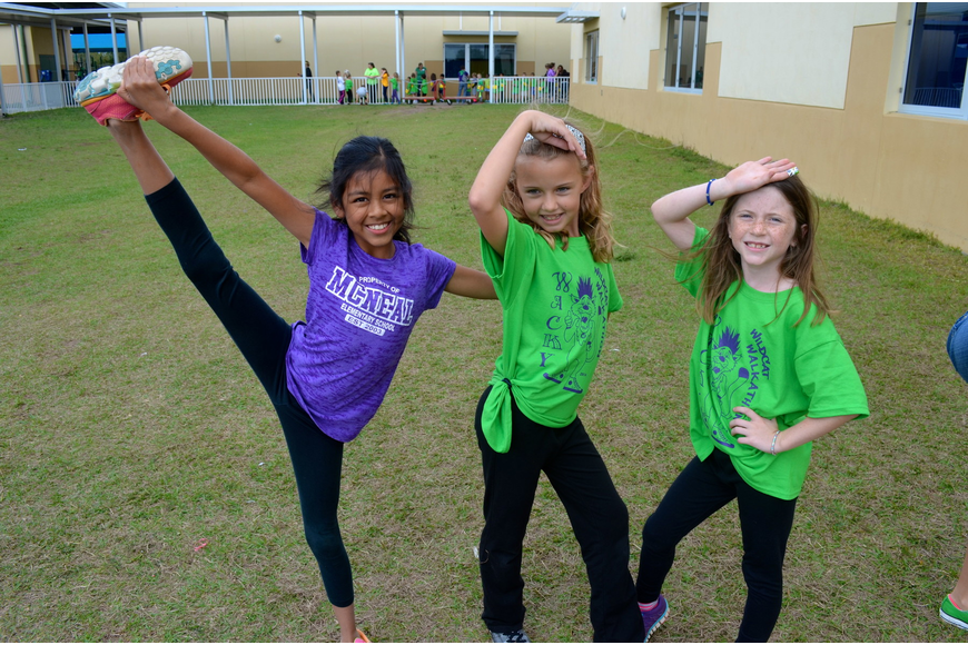 Alexis Aker, 9, Tamlyn Leatt, 9, and Joslyn Chapman, 8, show off their diva sides.