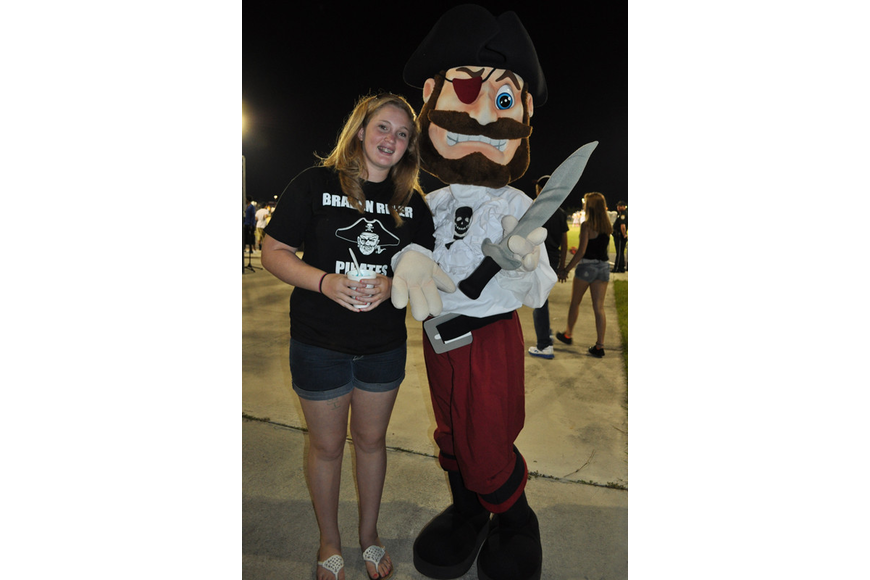 Amanda Kinghorn shared an icy with Braden River's mascot, Capt. Crossbones.