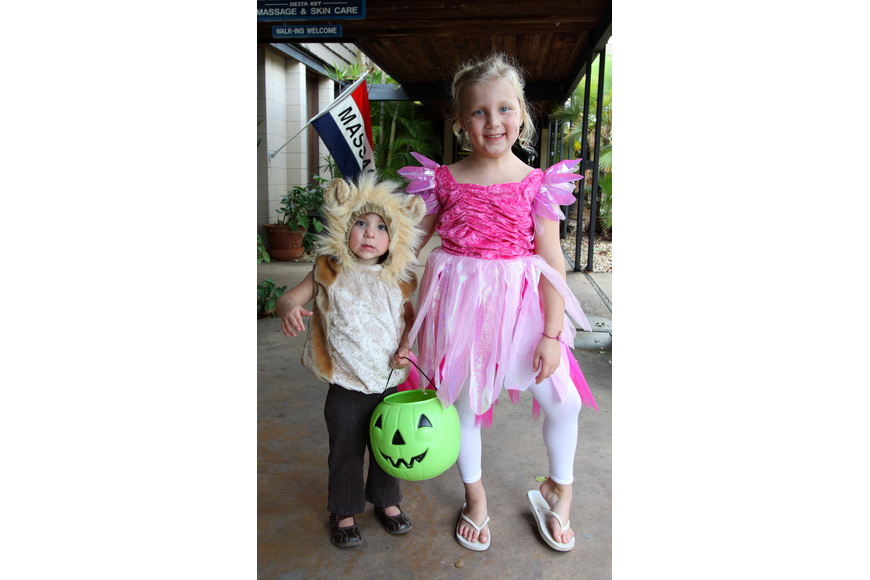 Addison, 2, and Delaney, 5, Coates