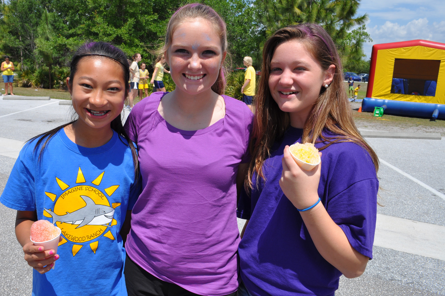 Rosie Kinnett, Casey Sagar and Victoria Dewitt enjoyed the afternoon.
