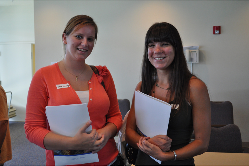 Elena Stanley and Jessie Eskay want to become volunteers.